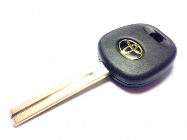 Toyota заготовка ключа под чип TOY48